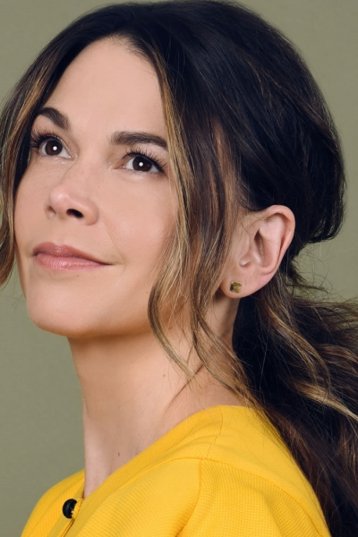 Image of Sutton Foster in a promotional portrait