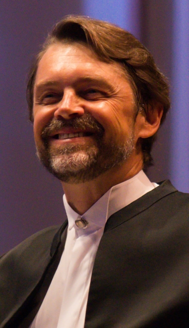 Image of Andrey Boreyko, Music Director of Artis—Naples and conductor of the Naples Philharmonic
