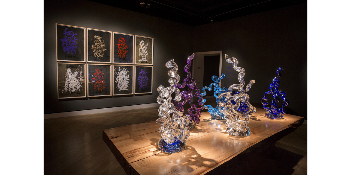 Dale Chihuly. Rotolo Drawings, 2013, and <em>Rotolo</em>, 2016. Crystal Bridges Museum of American Art, Bentonville, Arkansas, installed 2017. © Chihuly Studio, Photograph by Scott Mitchell Leen.