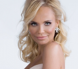 Image of Kristin Chenoweth in a promotional portrait