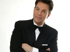Image of Steve Lippia in a promotional portrait