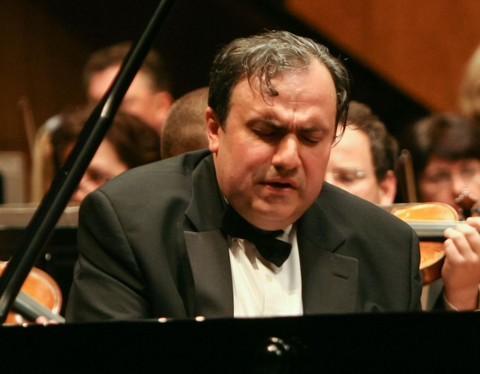 Image of Yafim Bronfman on stage during performance