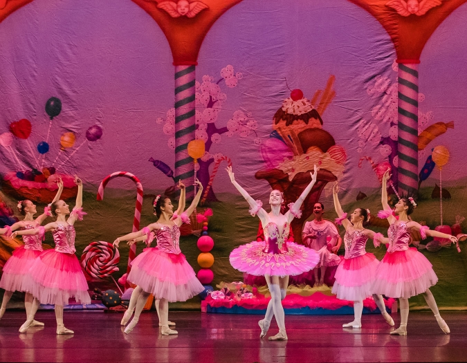 Image of the performers of the Naples Ballet during a performance of the Nutcracker